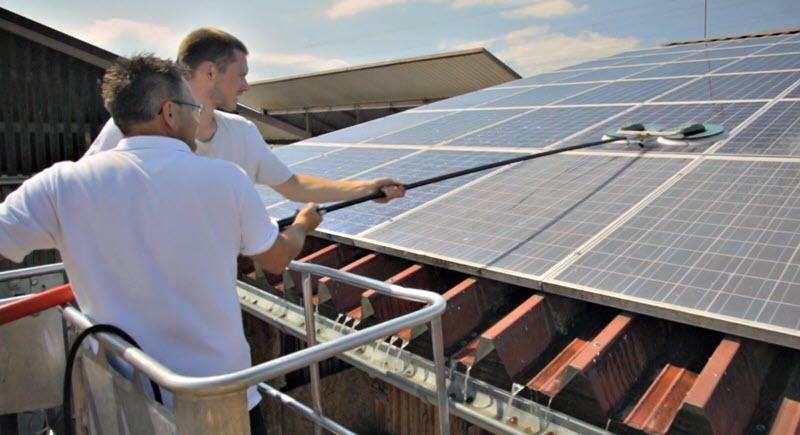 Limpieza placas solares con Karcher